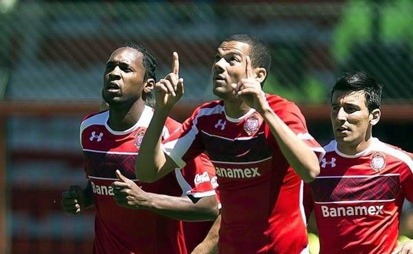 El brasileño Lucas Silva celebra el gol del empate en el minuto 47. (Mexsport)