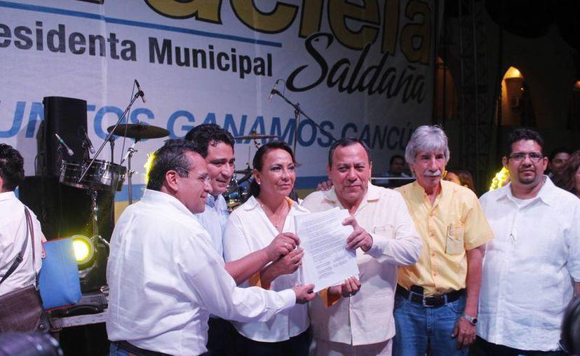 Dirigentes panistas y perredistas dieron su total respaldo a Graciela Saldaña. (Jesús Tijerina/SIPSE)