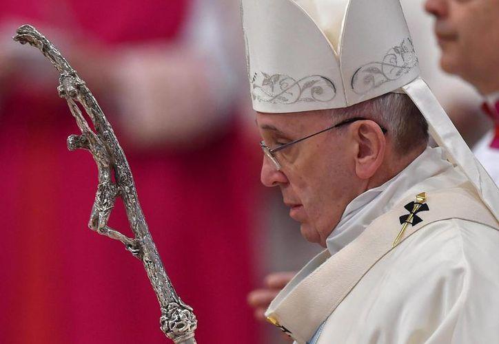 La diócesis de Roma, cuyo obispo es el Papa Francisco, expresó su sentir tras el arresto del cura Alessandro De Rossi. (Archivo/EFE)