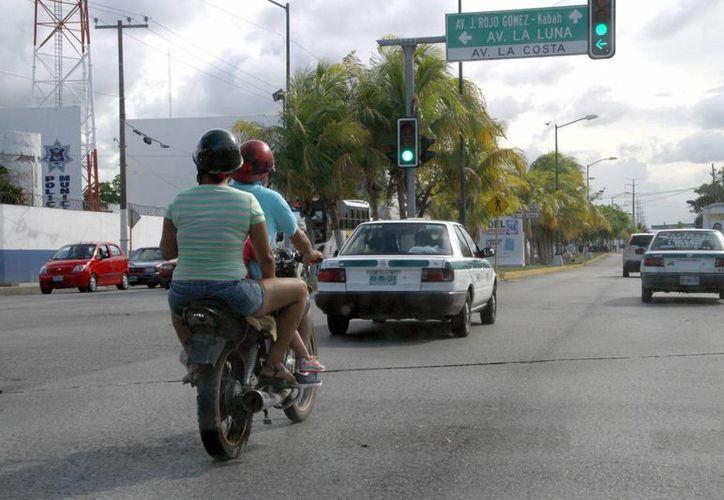 Los cambios contemplan las escuelas de manejo, polarizados y motociclistas. (Tomás Álvarez/SIPSE)