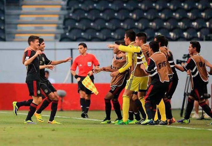 México viene entonado por una victoria épica sobre Brasil por penales 11-10 después de empatar 1-1. (femexfut.org.mx)