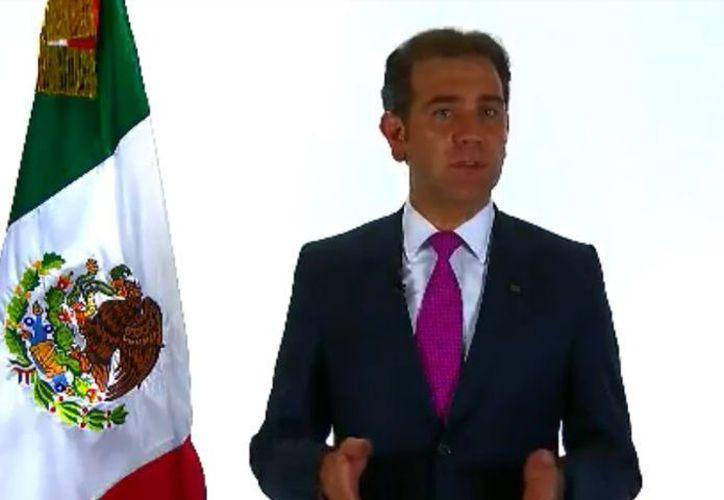 El consejero presidente del Instituto Nacional Electoral (INE), Lorenzo Córdova Vianello, habló en cadena nacional a las 11 de la noche. (Cortesía)