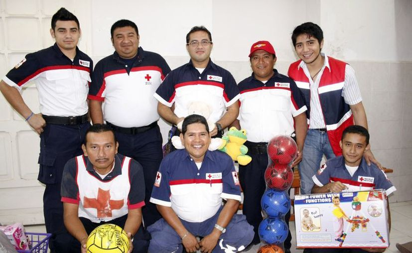 Voluntarios de la delegación de la Cruz Roja. (Milenio Novedades)