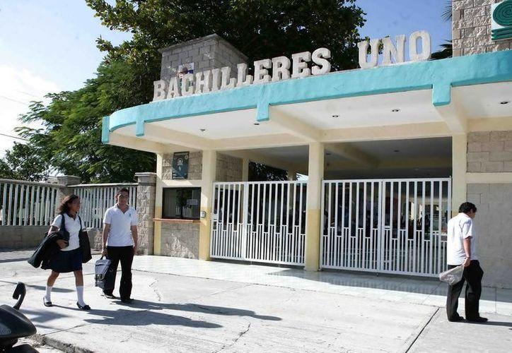 En el Colegio de Bachilleres la reinscripción de alumnos se llevará a cabo del 10 al 25 de julio y del 17 al 31 del mismo mes. (Redacción/SIPSE)