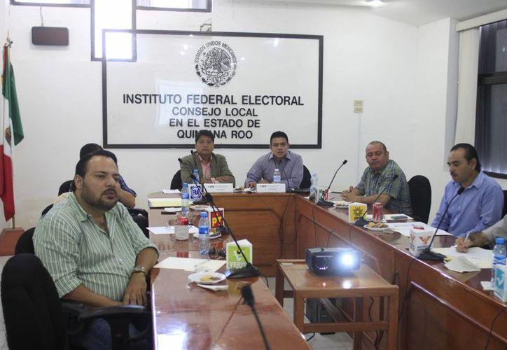 Impresiones de la reunión efectuada ayer por la Comisión de Vigilancia del IFE en Q. Roo. (Archivo/SIPSE)