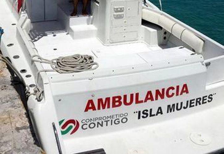 En caso de urgencia médica, la ambulancia marítima de la isla garantiza la seguridad. (Redacción/SIPSE)