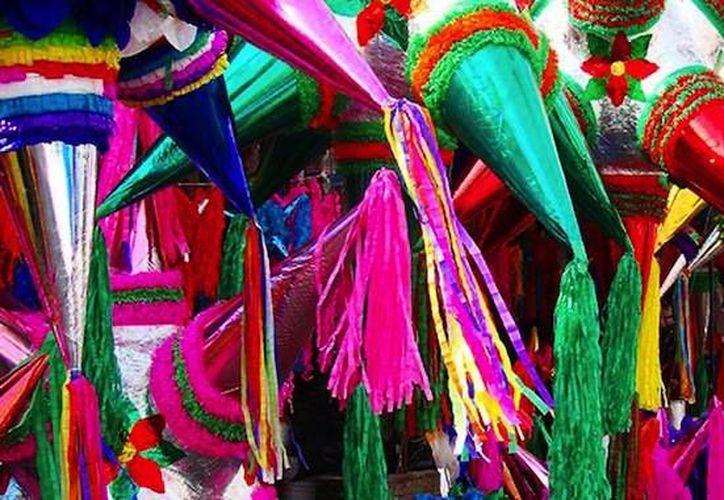 Las piñatas podrán ser votadas por los contribuyentes en una urna de madera. (Contexto/Internet)