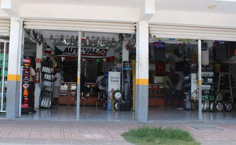 La administración municipal adeuda a diversos proveedores. (Ángel Castilla/SIPSE)