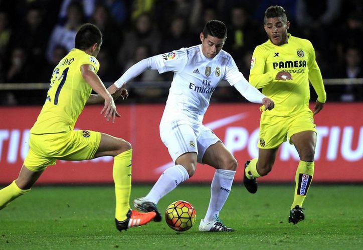 El Real Madrid visitó este domingo al Submarino Amarillo, sin embargo, no pudo obtener un buen resultado al caer 1-0 con lo que se quedó con 30 puntos en la tercera posición del futbol español. (AP)