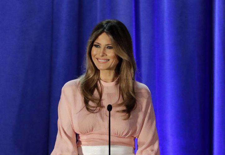 Melania Trump estará en Washington cuando sus obligaciones como Primera Dama de EU así lo requieran. (AP/Patrick Semansky)