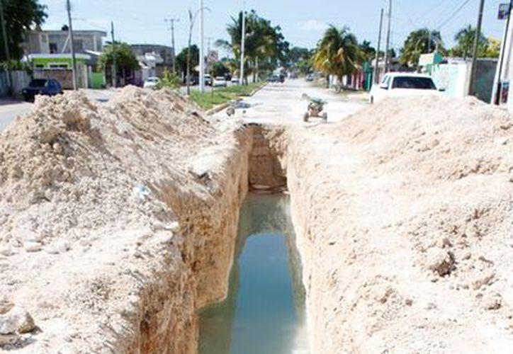 Las obras de infraestructura y equipamiento urbano siguen siendo el talón de Aquiles del municipio. (Ernesto Neveu/SIPSE)