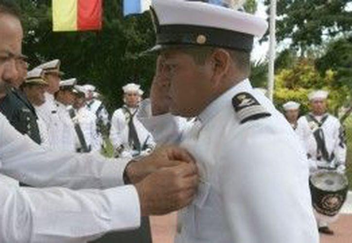 Se reconoció al personal ascendido por su esfuerzo y mérito. (Cortesía/SIPSE)