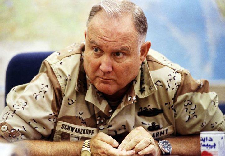 Schwarzkopf mantuvo una presencia discreta frente a las controversias sobre la segunda guerra contra Irak. (Agencias)