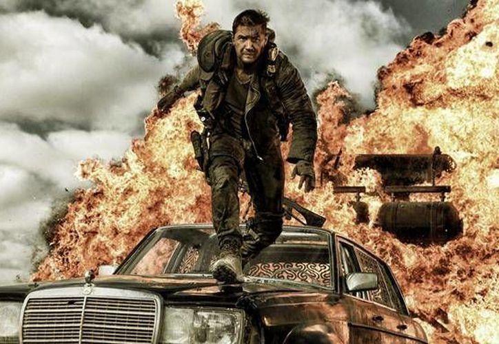 Tom Hardy y Charlize Theron son los protagonistas de la nueva versión de Mad Max, que se estrena en México este jueves. (Foto tomada de Warner bros)