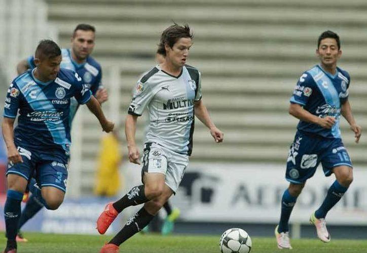 Gallos de Querétaro empataron 1-1 en casa contra Puebla, pero mantienen grandes aspiraciones de calificar a la siguiente fase de la Copa MX. (excelsior.com.mx)