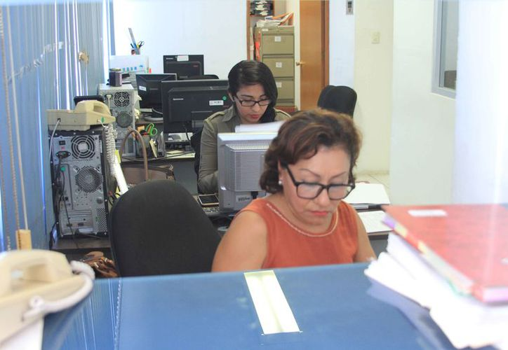 Más de 100 servidores públicos de Quintana Roo perderán sus puestos debido a que no presentaron su declaración patrimonial.  (Joel Zamora/SIPSE)