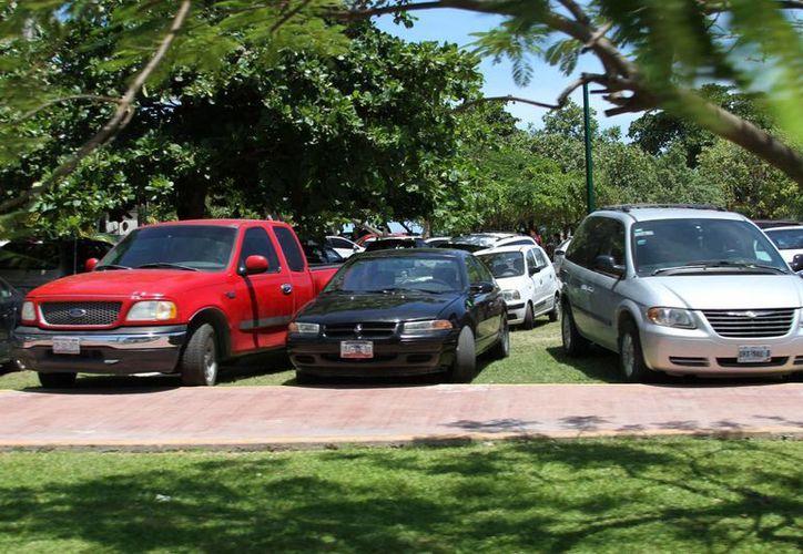 El comprador debe tener más cuidado con los vendedores de lotes de autos usados. (Sergio Orozco/SIPSE)