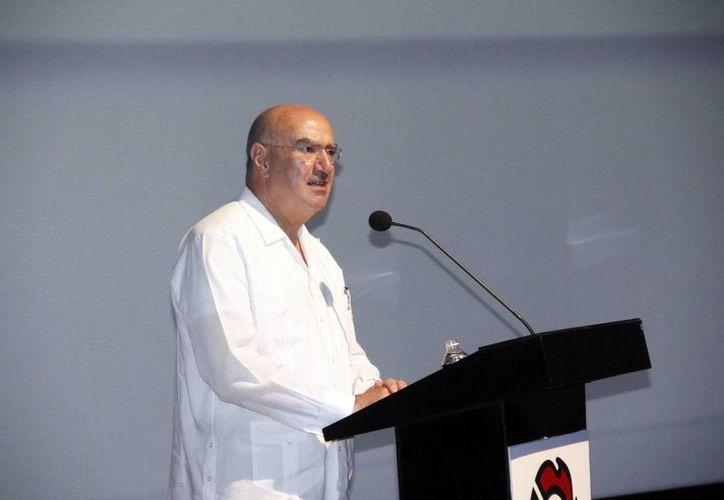 El secretario de Semarnat durante su participación en la reunión del Consejo Directivo Nacional de la Canacintra. (Juan Albornoz/SIPSE)