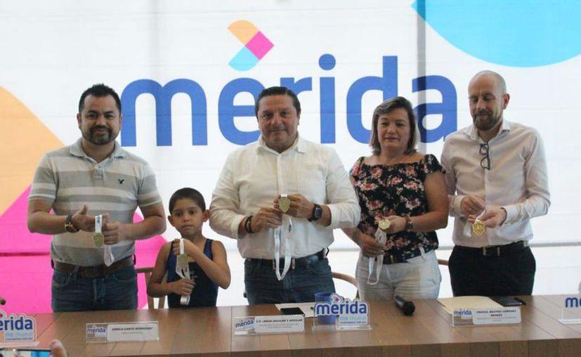 El Ayuntamiento respalda la exhibición, cuyo objetivo es que los gimnastas escalen posiciones. (Novedades Yucatán)
