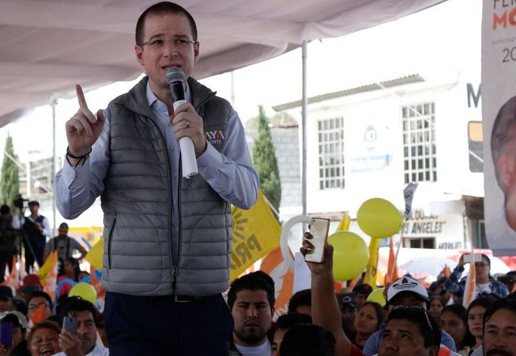 Ricardo Anaya se comprometió a llevar a cabo un programa de reforestación en Puebla. (Foto: El Informador)