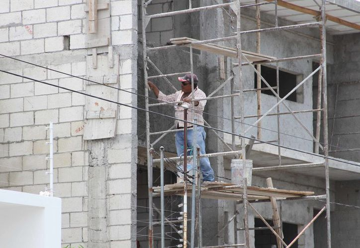El sector de la construcción quiere mejorar las condiciones internas y cumplir con compromisos económicos. (Joel Zamora/SIPSE)