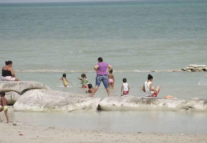 Reportan que las 36 playas públicas de Quintana Roo se encuentran listas para recibir a los bañistas en estas vacaciones. (Harold Alcocer/SIPSE)