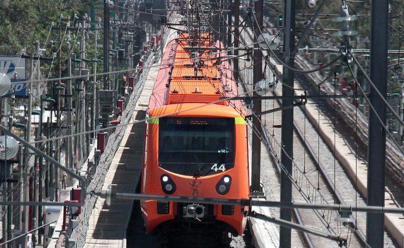 El consorcio constructor de la Línea 12 y la empresa española CAF están dispuestos a cubrir los costos de la rehabilitación de las vías y los trenes. (Archivo/Notimex)
