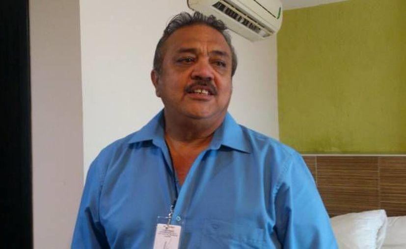 El secretario general de la sección 57 del SNTE, Luis María Aguilar Castillo, estuvo en representación de sus compañeros exponiendo la inconformidad. (Archivo/ Milenio Novedades)