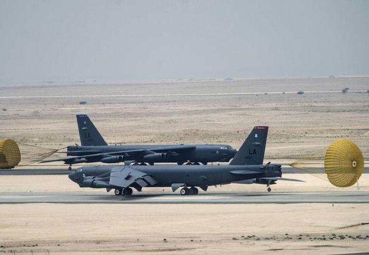 Un grupo de bombarderos B-52 de Estados Unidos arribaron a Catar, desde donde podrían atacar al Estado Islámico en Siria e Irak. (AP)