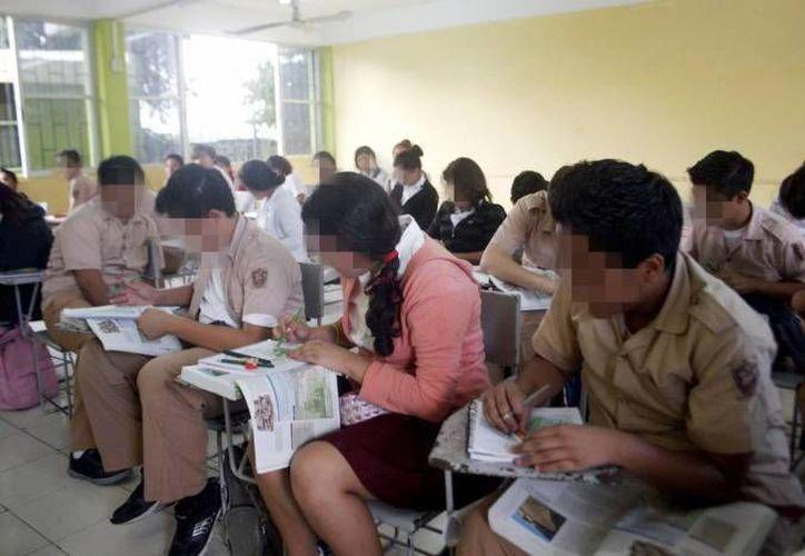 La iniciativa presentada implica que los salones de educación básica del estado no excedan las tres decenas de alumnos cada uno. (Archivo/ Milenio Novedades)