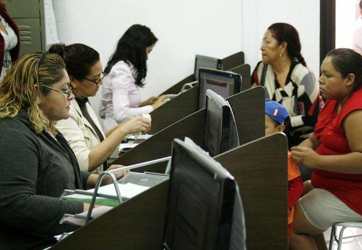 Los estados de cuenta se pueden obtener en las cajas de pago en el Palacio Municipal. (Cortesía/SIPSE)