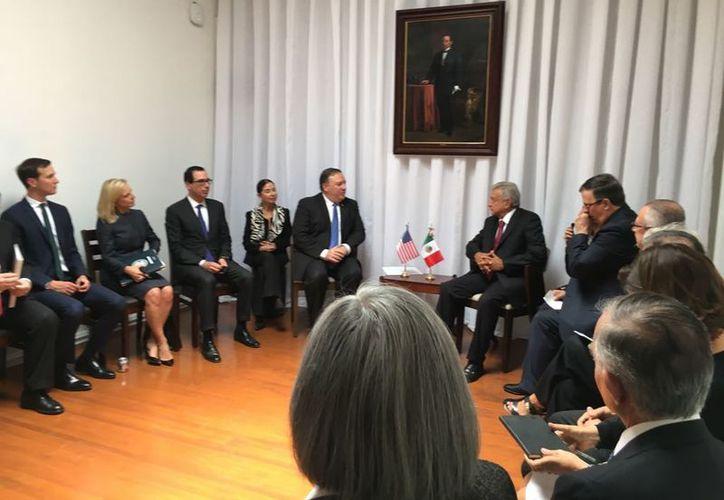 El presidente electo de México, Andrés Manuel López Obrador se reunió hoy con el Secretario de Estado estadounidense, Mike Pompeo. (Twitter)