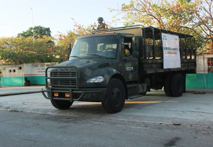 Los militares limpiaron los patios, pintaron bardas y dieron mantenimiento a las instalaciones eléctricas. (Octavio Martínez/SIPSE)
