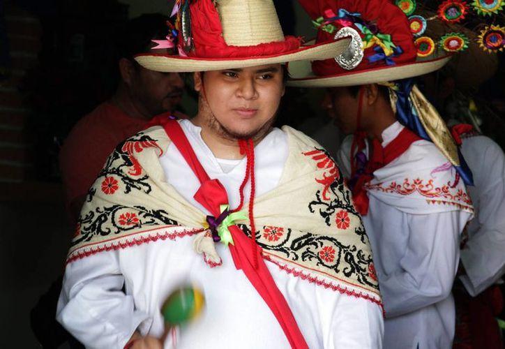 El secretario Osorio Chong afirma que el gobierno está comprometido en formar abogados que atiendan a los indígenas en su propia lengua. (Archivo/Notimex)
