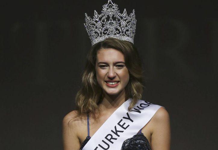 El título de Miss Turquía 2017 ha sido otorgado ahora a la segunda clasificada, Asli Sümen. (Foto: Contexto/Internet)