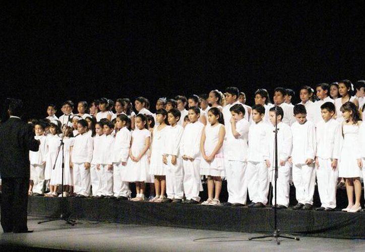 Los Niños Cantores de Yucatán buscan voces para participar en uno de los ocho nuevos coros que se prevé crear. (Milenio Novedades)
