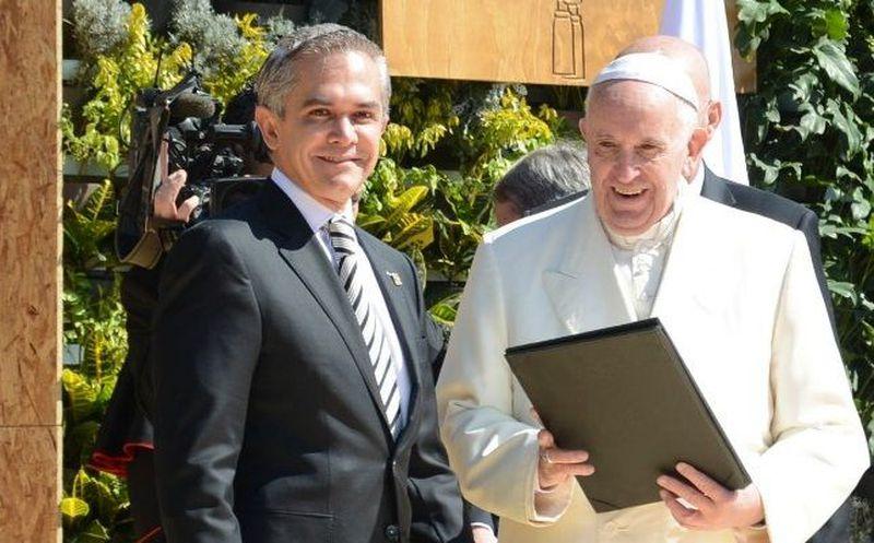 Cancelan en el Vaticano premio a Miguel Ángel Mancera