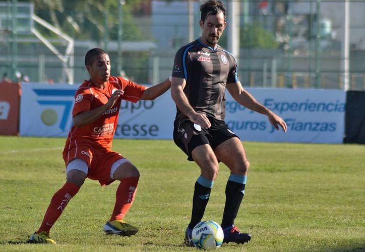 El CF Mérida no tuvo problemas para vencer a los Delfines de Ciudad del Carmen, de Segunda División. (SIPSE)