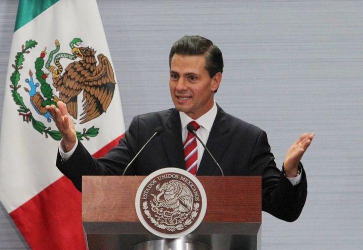 """""""México se la va a jugar con los jóvenes"""", afirmó el presidente Enrique Peña Nieto, en su discurso durante la 25 Entrega del Premio Nacional de Calidad. (Notimex)"""