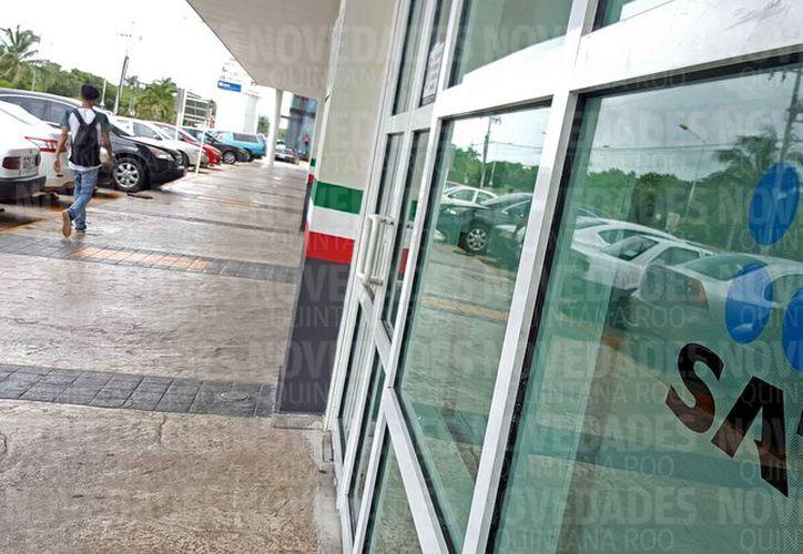 El SAT bloqueó las cuentas bancarias del ex funcionario. (Redacción)