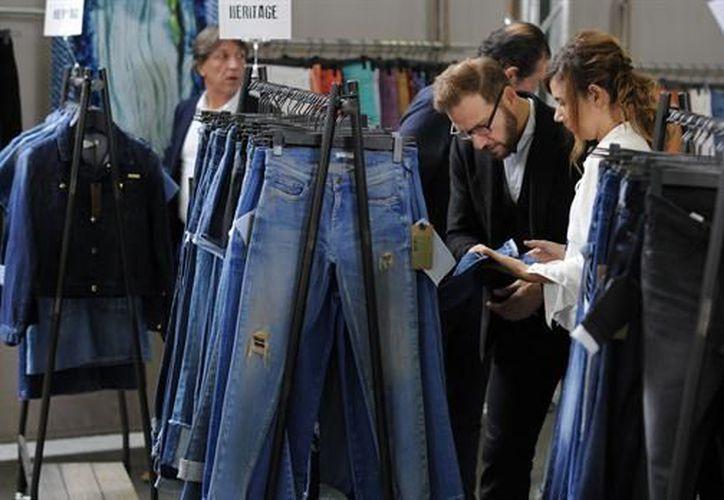 Pauline van Dongen, diseñó los pantalones que combinan la tecnología y ecología para comodidad del usuario. (Foto: Internet)