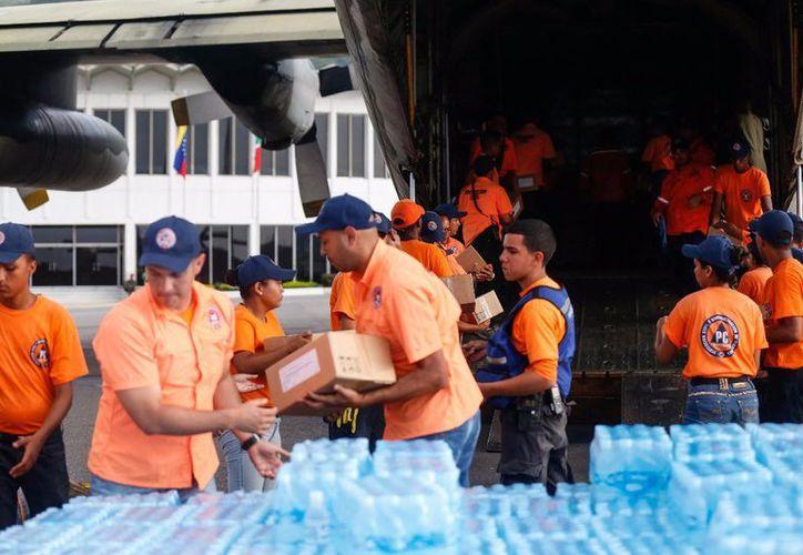 Además de la despensa, Venezuela apoyará a México con seis expertos en análisis de estructuras colapsadas. (Foto: @MIJPVenezuela)