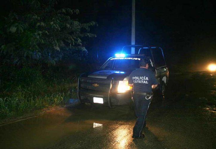 Los uniformados acudieron a la Calzada Veracruz entre Camelias y San Salvador, tras recibir una llamada de auxilio. (Redacción/SIPSE)