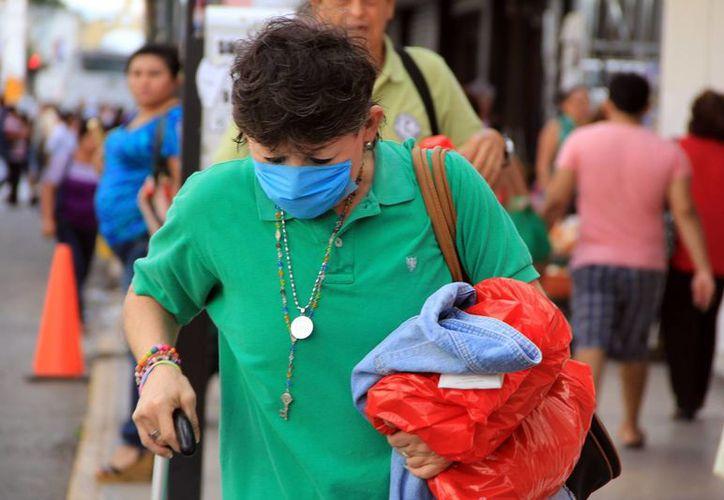 Se recomienda en esta época de frío cuidarse de los males respiratorios y diarreicos. (Milenio Novedades)