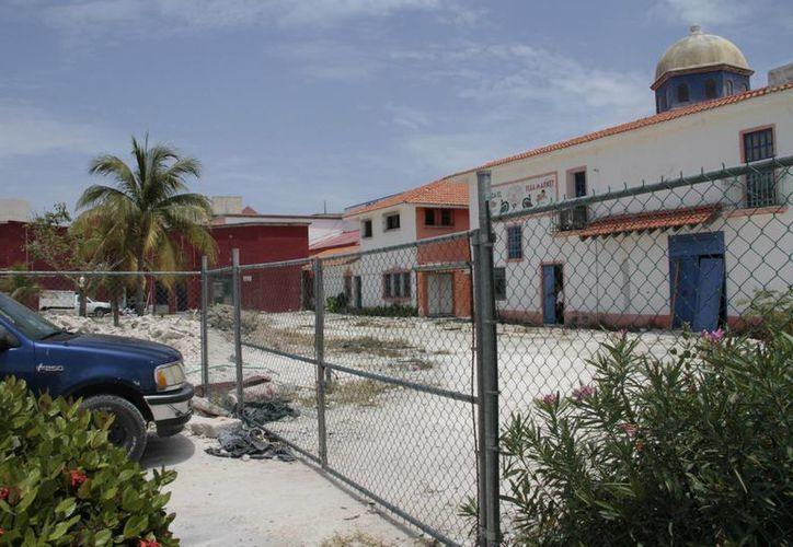 La estructura de la plaza se encuentra demasiado dañada. (Tomás Álvarez/SIPSE)