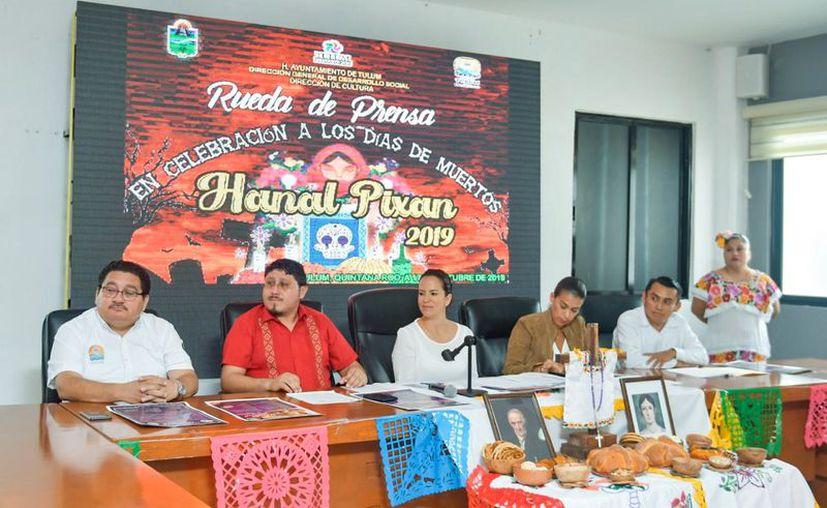 """El Ayuntamiento presentó el programa de actividades con motivo del """"Día de Muertos 2019"""". (Cortesía)"""