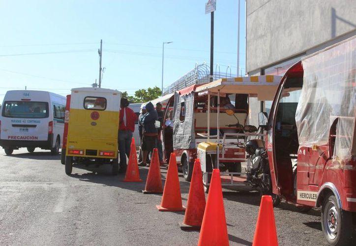 Piden la intervención de Sintra para el control de los mototaxis. (Foto: Octavio Martínez/SIPSE)