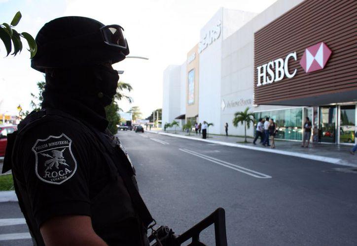 Los bancos están entre los lugares donde se reforzó la vigilancia en Mérida. (SIPSE)