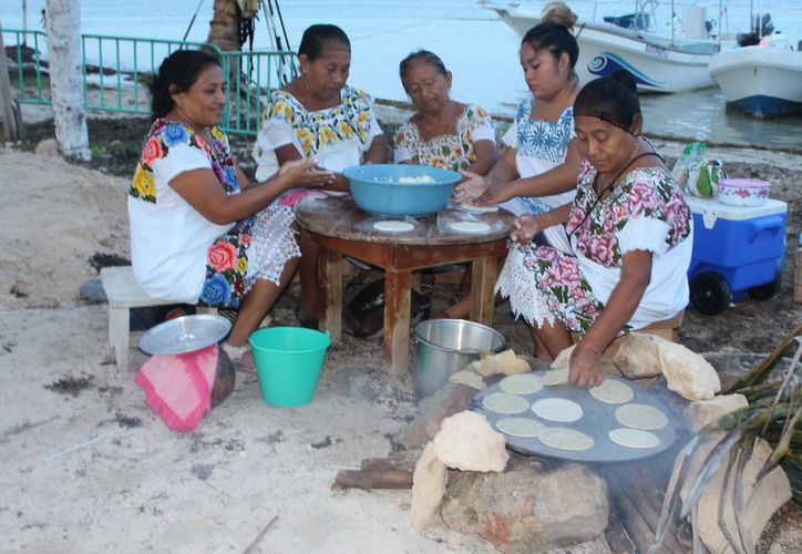 En Othón P. Blanco, el 16.3% de las viviendas no cocina con gas, lo que representa 10 mil 591 familias, de acuerdo con información del Inegi. (Joel Zamora/SIPSE)