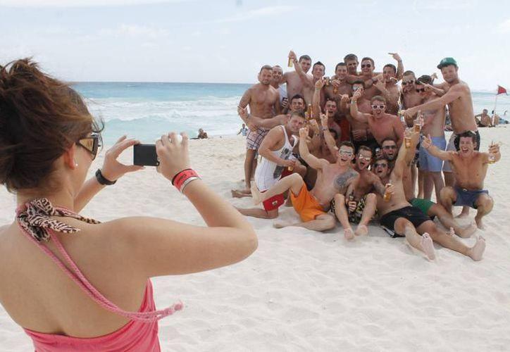 La mejor temporada para que los jóvenes viajen es después de que concluyen sus estudios. (Foto: Contexto/Internet)